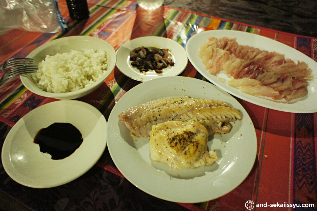 ガラパゴス諸島(サンタクルス島)の魚料理
