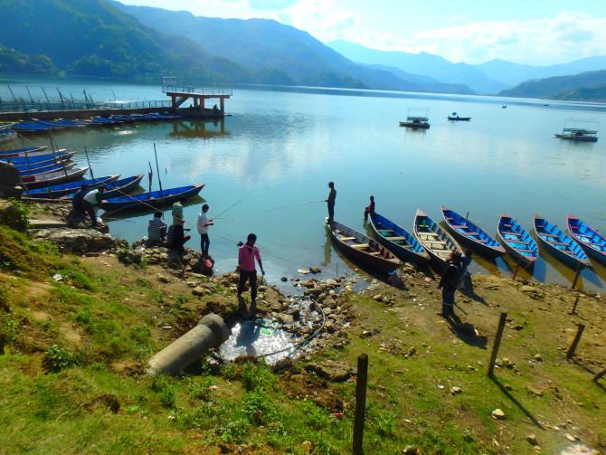 ネパール ポカラ 釣り