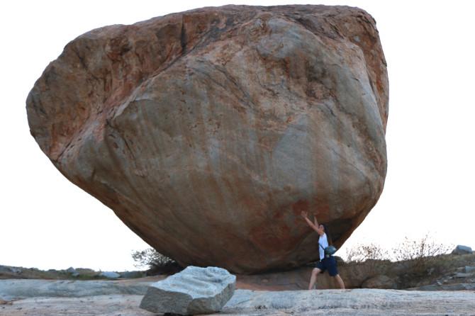 インド ハンピ 岩